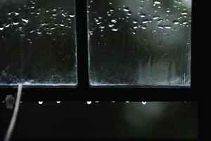 window-and-raindrops-
