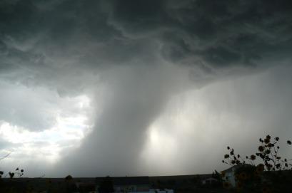 tornado-459265_960_720